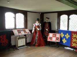Tudor Statues in the Hunting Lodge
