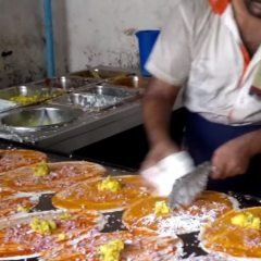 Dosa King – 14 Dosas in 5 Minutes : How to make Dosa ? Indian street food