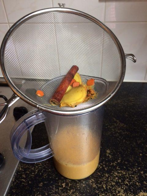 kurkuma-latte-maken