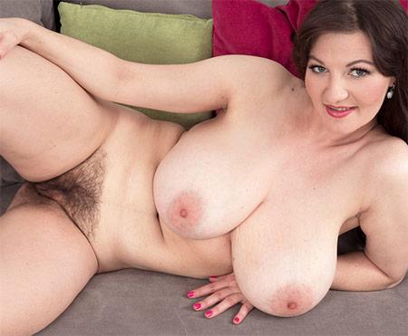 Vanessa Y Hairy Pussy
