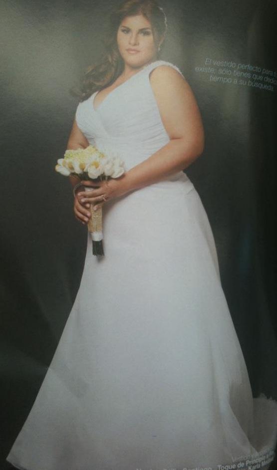One of Esposa Moderna's Curvy Brides Karla Medina