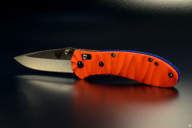 "benchmade griptilian custom scales ""dutch"""