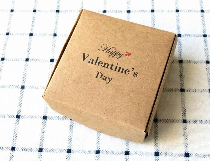 kraft boxes subscription box for valentine day