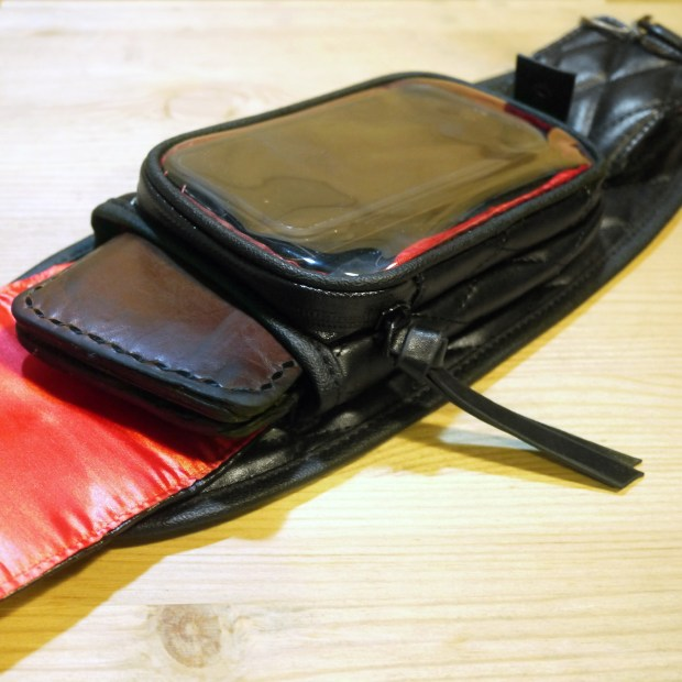 bobber-tank-bag-04