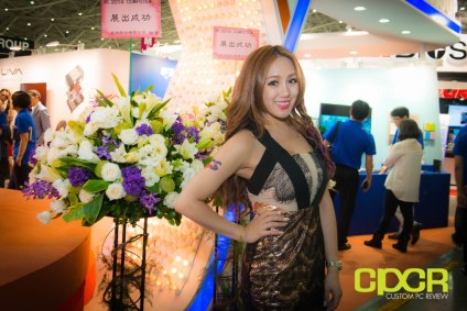 computex-2014-mega-booth-babes-gallery-custom-pc-review-34