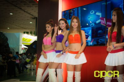 computex-2014-mega-booth-babes-gallery-custom-pc-review-49