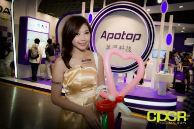 computex-2014-mega-booth-babes-gallery-custom-pc-review-67