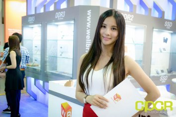 computex-2015-ultimate-booth-babe-gallery-custom-pc-review-107