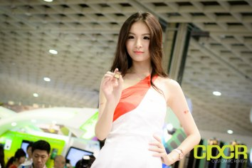 computex-2015-ultimate-booth-babe-gallery-custom-pc-review-108