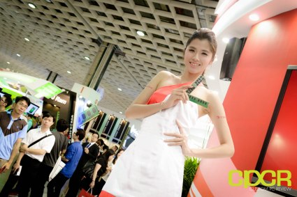 computex-2015-ultimate-booth-babe-gallery-custom-pc-review-110