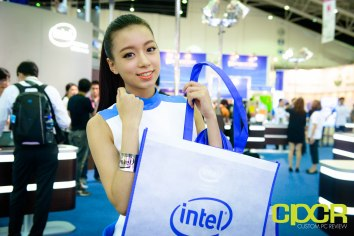 computex-2015-ultimate-booth-babe-gallery-custom-pc-review-12