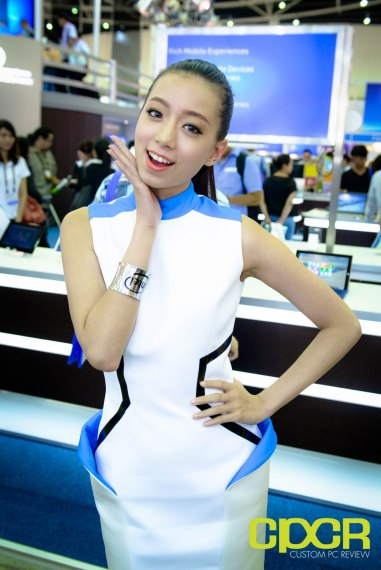 computex-2015-ultimate-booth-babe-gallery-custom-pc-review-122