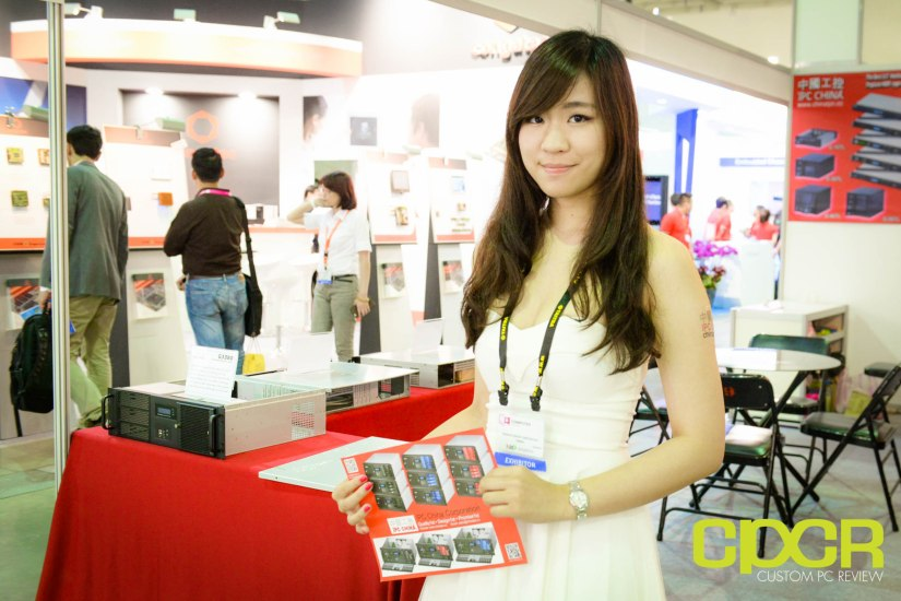 computex-2015-ultimate-booth-babe-gallery-custom-pc-review-48