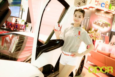 computex-2015-ultimate-booth-babe-gallery-custom-pc-review-69