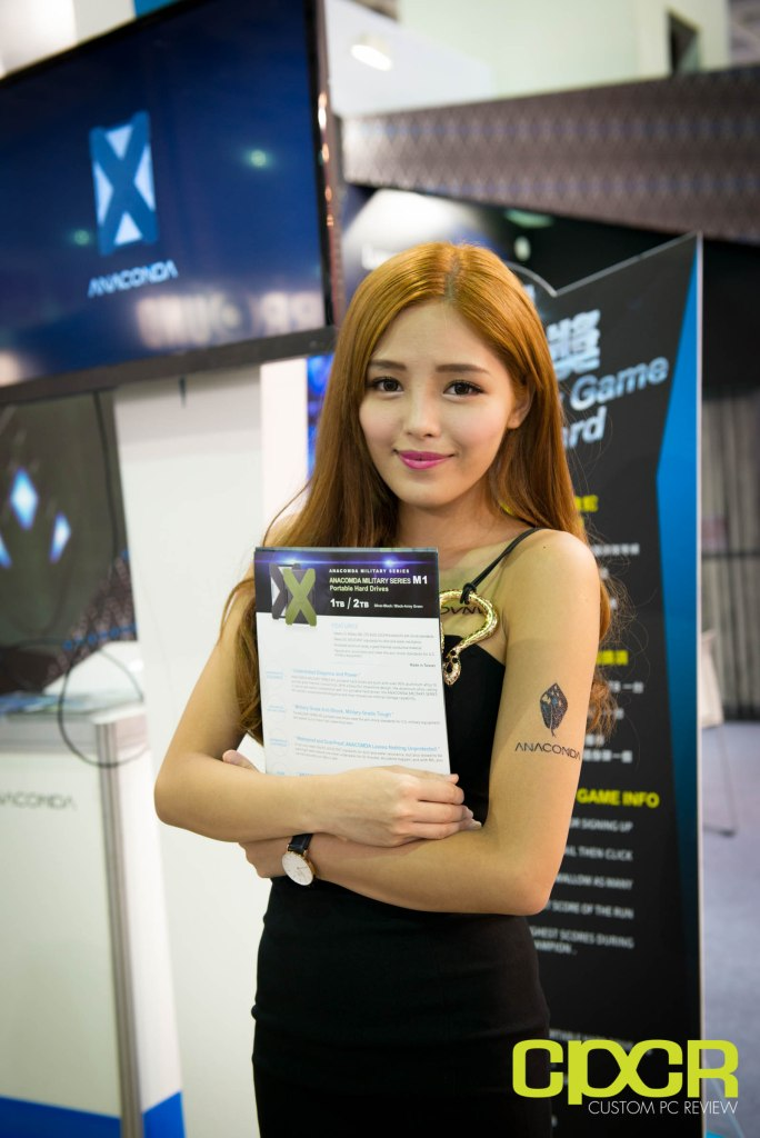 computex-2016-booth-babes-custom-pc-review-30