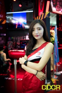 computex-2016-booth-babes-custom-pc-review-68