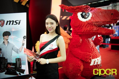 computex-2016-booth-babes-custom-pc-review-69