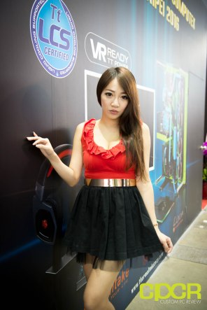 computex-2016-booth-babes-custom-pc-review-80