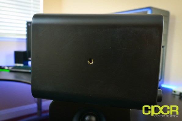 kanto-yu4-powered-desktop-speakers-custom-pc-review-18