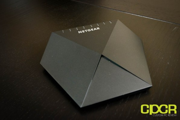 netgear-nighthawk-s8000-gaming-media-switch-6