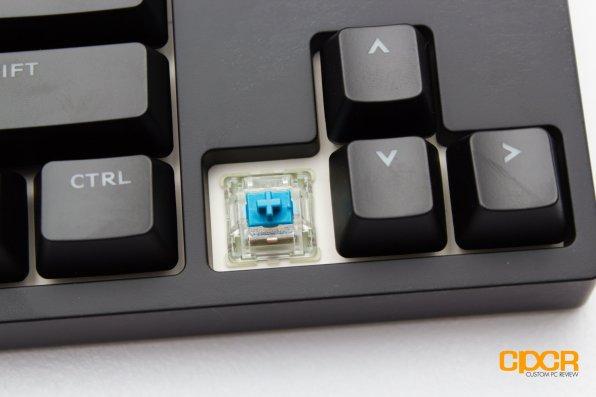 cooler-master-master-keys-pbt-custom-pc-review-4