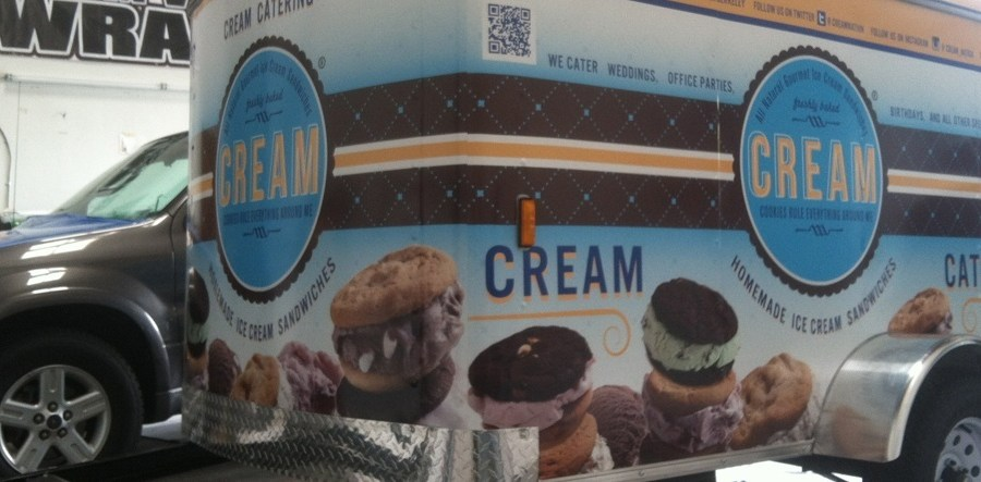 Cream Catering Wrap