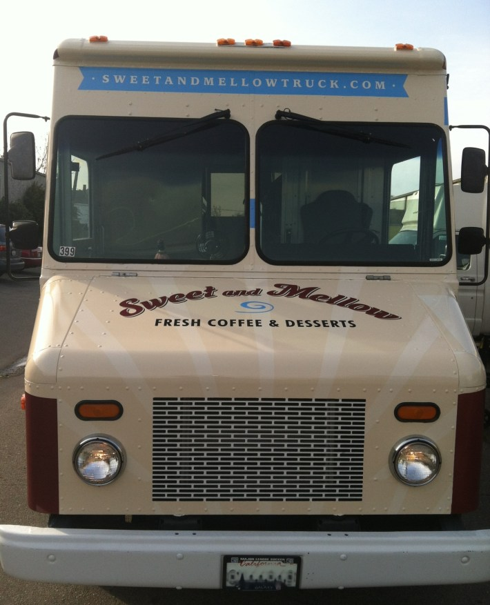 sm food truck wrap5