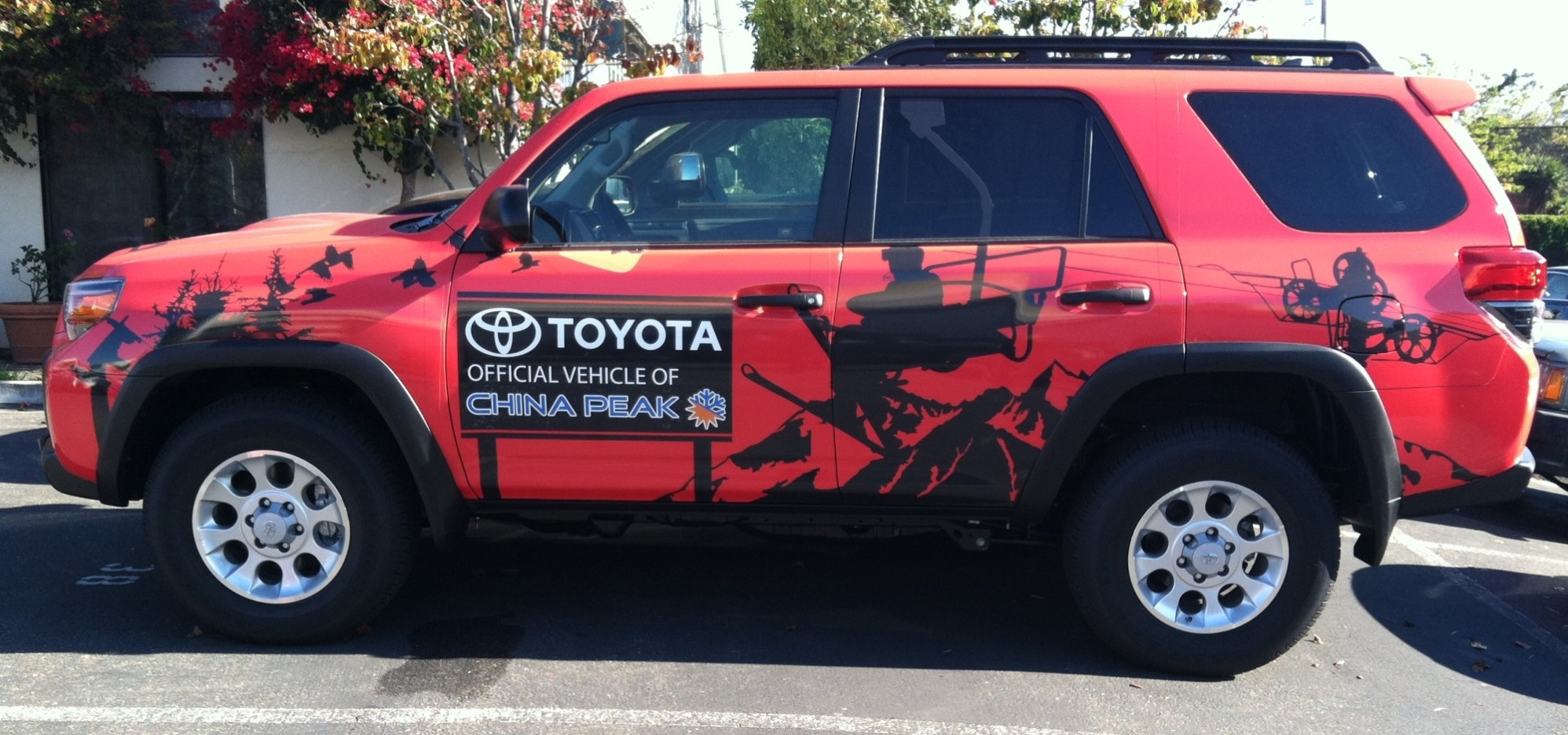 China Peak SUV Wrap