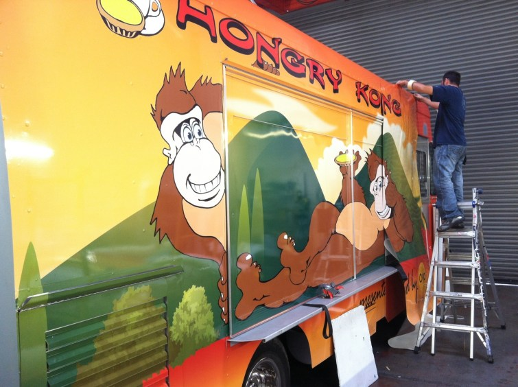 hungry kong food truck wrap-02