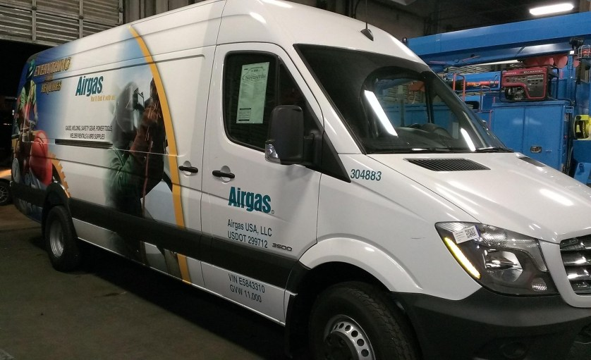airgas van wrap-01