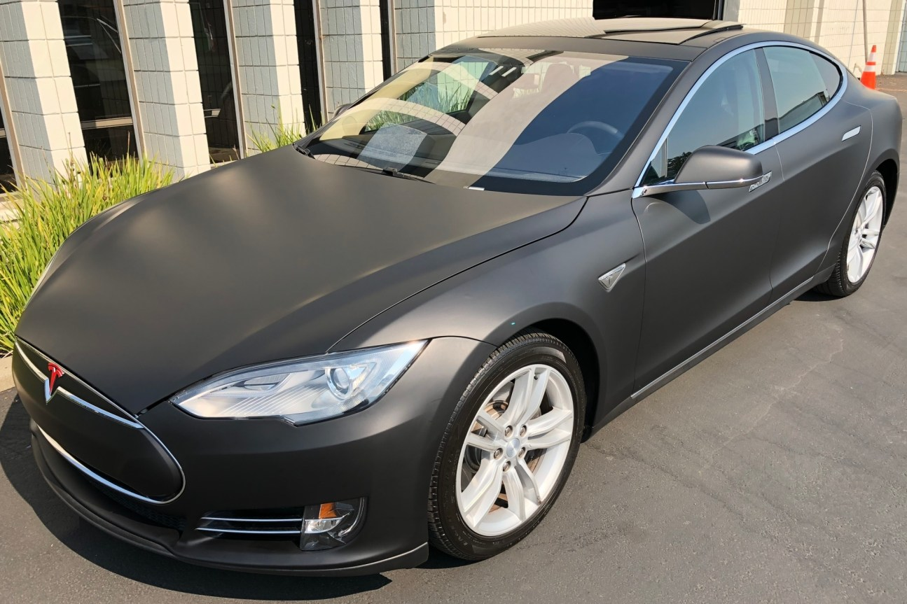 tesla matte black wrap-01