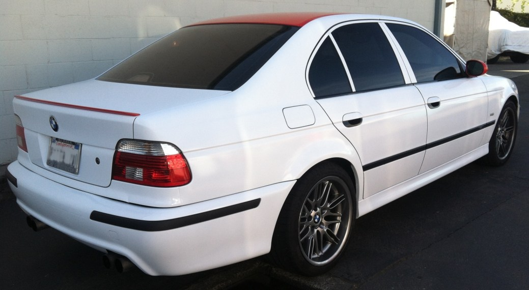 bmw white red roof color change-01
