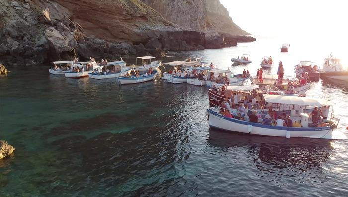 Un concerto dedicato a Ennio Morricone alle Egadi, con il pubblico in barca