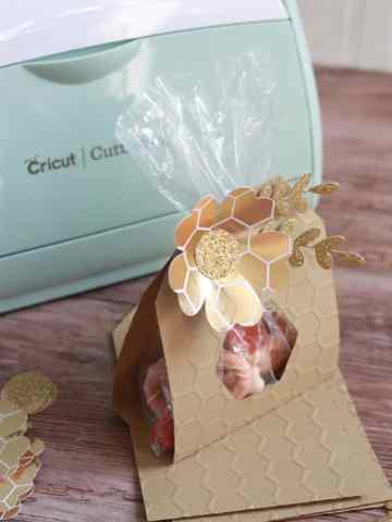 Paper DIY goodie bag