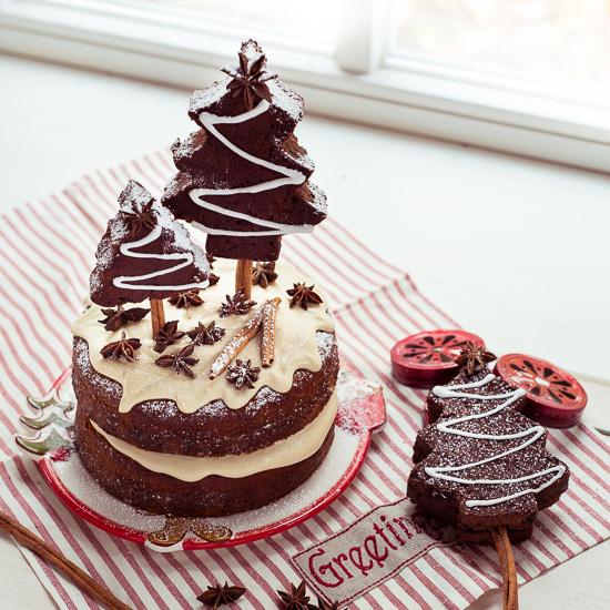 Der Geburtstagskuchen von Boris ist ein Pumpkin Spice Cake aus Backen Mit Love mit Ahornsirup Icing