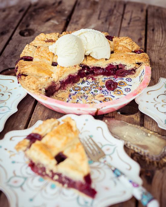 Das Rezept zu diesem Cherry Pie findest Du in meinem Buch Backen Mit Love