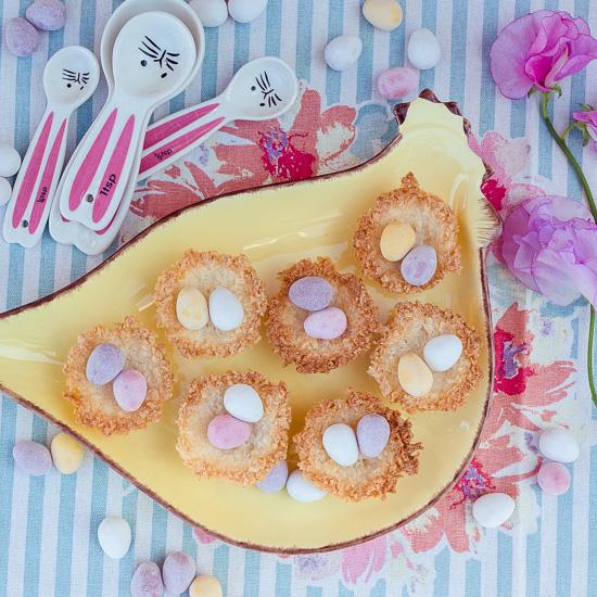 Ich habe für die Osternester einfach das Rezept der Kokosmakronen aus School of Baking verwendet