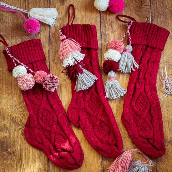 Den roten Weihnachststrumpf zum selber Verschönern gibt es ab sofort in meinem Shop