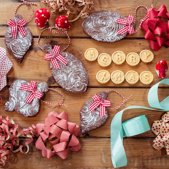 Diese Cookie Ornaments haben ne tolle Oberfläche die ich mit einem Prägewellholz gemacht habe