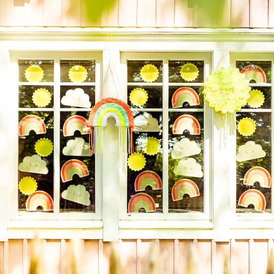 Ich habe mal meine Fenster am Rosa Haus etwas auf Sommer und Sonne dekoriert