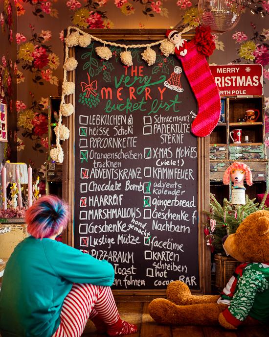 Christmas Bucket List - Der Bär und ich überlegen was wir heute davon erledigen