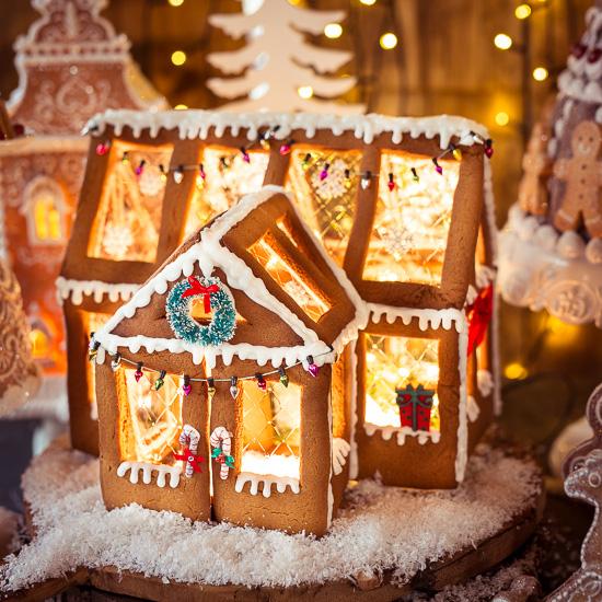 Das Gingerbread House ist das Rezept der Gingerbreadmen aus Backen Craft und Rote Katze
