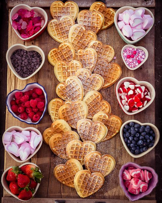 Herzchenwaffel Buffet für Valentinstag