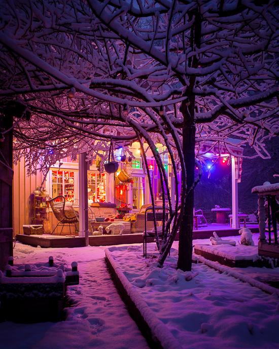 Heute hat es am Rosa Haus richtig geschneit