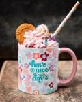 Eiskaffee in 70er Blumentasse