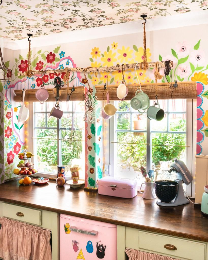 Meine fertige Wandbemalung in der Küche vom Rosa Haus