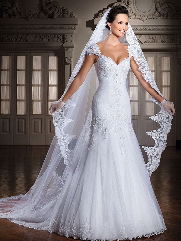 Backless Appliques Lace Up Wedding Dress