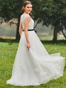 A Line Appliques Tulle Wedding Dress