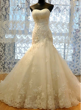Appliques Sweetheart Sheath Wedding Dress