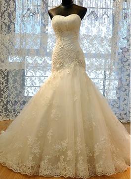 Appliques Sweetheart Sheath Wedding Dress